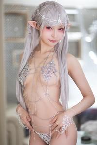 Mayu-Ronne-Cosplay-Sets-Skimpily-Seductive-44.jpg