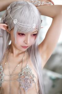 Mayu-Ronne-Cosplay-Sets-Skimpily-Seductive-42.jpg