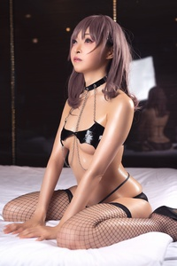 Mayu-Ronne-Cosplay-Sets-Skimpily-Seductive-25.jpg