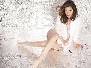 Muses of the century - Legs battles: Play-off 06 - Jessica Biel x Roxane Mesquida
