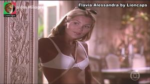 Flavia Alessandra sensual em vários trabalhos