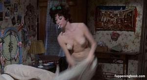 Shirley MacLaine a.jpg