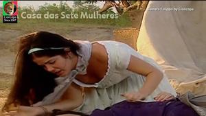 Samara Felippo nua na serie A casa das 7 mulheres