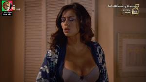 Sofia Ribeiro sensual na serie Mulheres