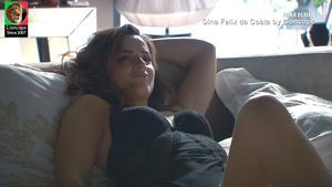Dina Felix da Costa sensual na novela Amar Demais