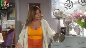 Silvia Rizzo sensual na serie Festa é festa