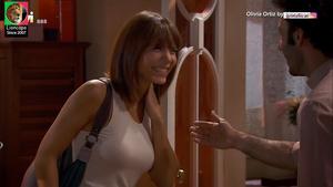 Olivia Ortiz sensual na serie Mulheres
