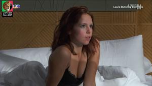 Laura Dutra sensual na novela A Serra