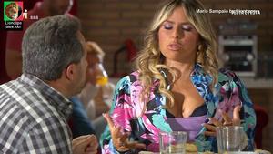 Maria Sampaio sensual na serie Festa é festa