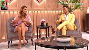 Maria Cerqueira Gomes sensual no programa Em Familia