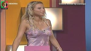 Cristina Mohler sensual a apresentar o concurso quebra cabeças