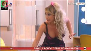 Sofia Arruda sensual na serie Patrões Fora