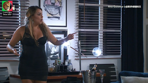 Ana Guiomar sensual na novela Amar Demais