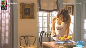 Soraia Chaves sensual na serie Voo Directo