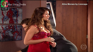 Aline Moraes sensual na novela Como uma Onda