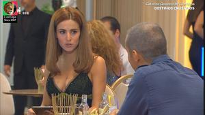 Catarina Giouveia sensual na novela Destinos Cruzados