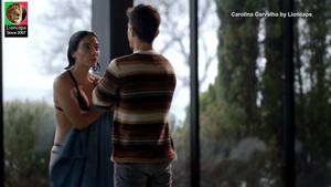 Carolina Carvalho sensual na novela A Serra