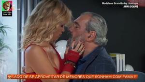 Madalena Brandão sensual na novela Amar Demais