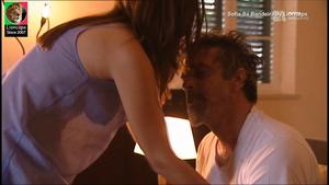 Sofia Sá Bandeira sensual na serie O Crime