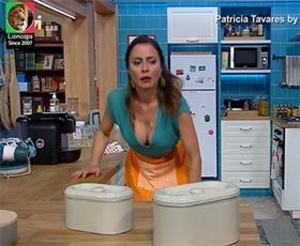 Patricia Tavares sensual na serie Ai a minha vida