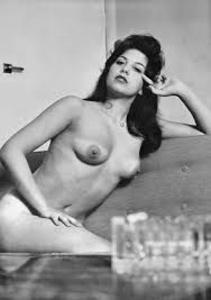 Yvonne De Carlo.jpg