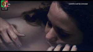 Leandra Leal nua no filme O Rio nos pertence