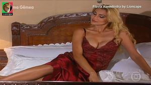 Flavia Alessandra sensual na novela Alma Gêmea