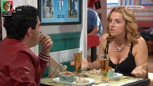 Ines Heredia sensual na serie Festa é festa