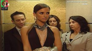Nuria Madruga sensual em vários trabalhos