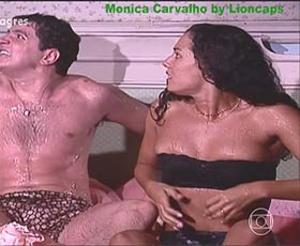 Mónica Carvalho super sensual na novela Porto dos Milagres