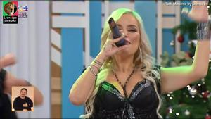 Ruth Marlene sensual a cantar