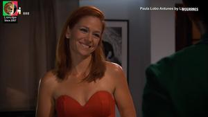 Paula Lobo Antunes sensual na serie Mulheres