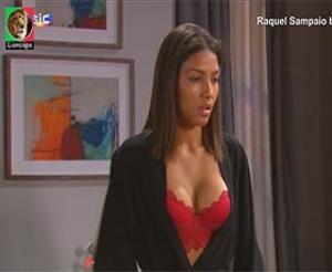 Raquel Sampaio super sensual na novela Nazare