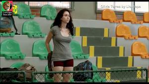 Olivia Torres nua no filme Confissões de adolescente