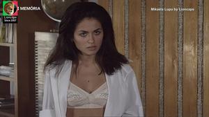 Mikaela Lupu sensual na serie Filhos do Rock