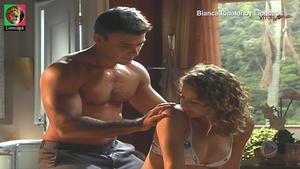 Bianca Rinaldi sensual na novela Caminhos do Coração