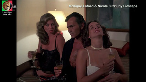 Monique Lafond e Nicole Puzzi nuas no filme Eu