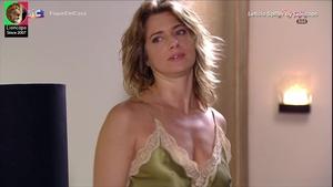 Leticia Spiller sensual na novela Viver a vida