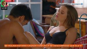 Margarida Corceiro sensual em lingerie na novela Bem me Quer