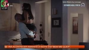 Sofia Ribeiro sensual na novela Amar Demais