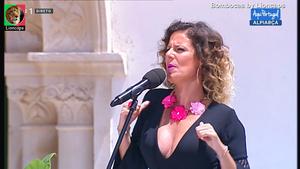 A dupla Bombocas sensuais a cantar