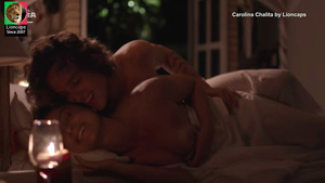 Carolina Chalita nua na serie Amor de 4