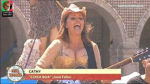 Cathy sensual a cantar