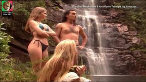 Carolina Dieckmann e Ana Paula Tabalipa sensuaios no tempo da serie Malhação
