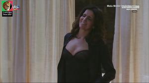 Malu Mader sensual na novela Sassaricando e na serie Labirinto