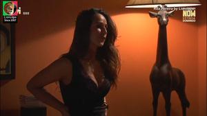 Rita Pereira sensual na novela A única mulher