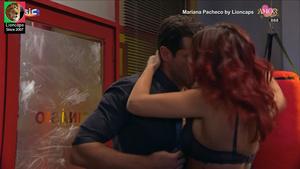 Mariana Pacheco sensual na novela Amor Amor