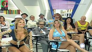 Cacau Colucci sensual na Escolinha do Gugu