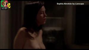 Sophia Abrahao nua no filme confissões adolescente