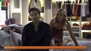 Fernanda Serrano super sensual na novela Amar Demais